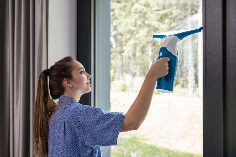 Mýty kolem mytí: Správný postup čištění a údržby plastových oken