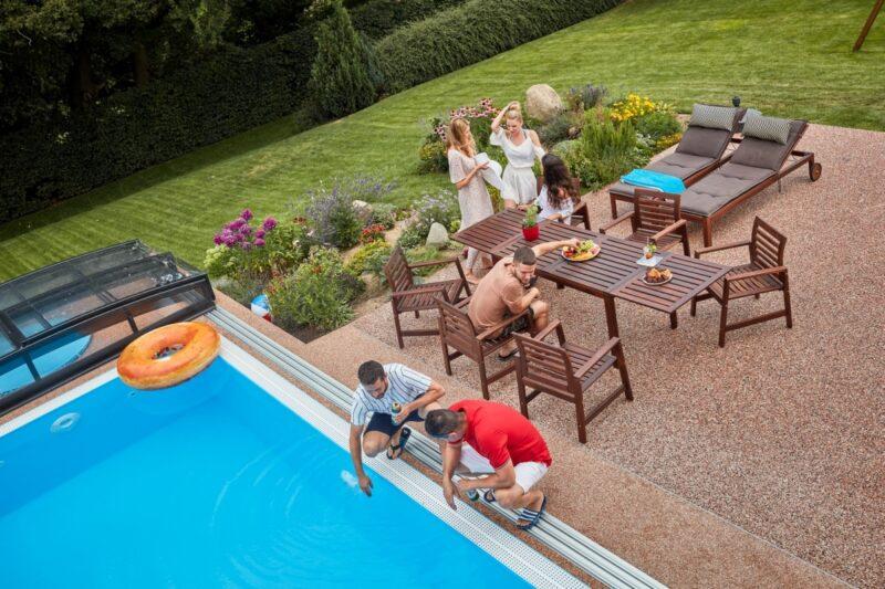 Myslete na pořízení bazénu již nyní a prodlužte si tak koupací sezónu