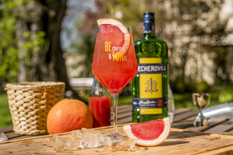 becherovka_beton-grapefruit_01_1588668926
