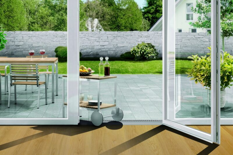 Easystep – nový bezbariérový práh pro balkonové a domovní dveře s profily Eforte