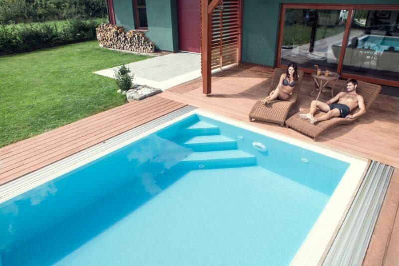 Teplá a zároveň křišťálově čistá voda v bazénu