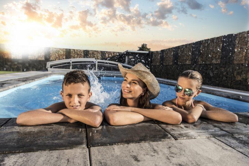 Stále váháte s výběrem nejvhodnějšího bazénu?