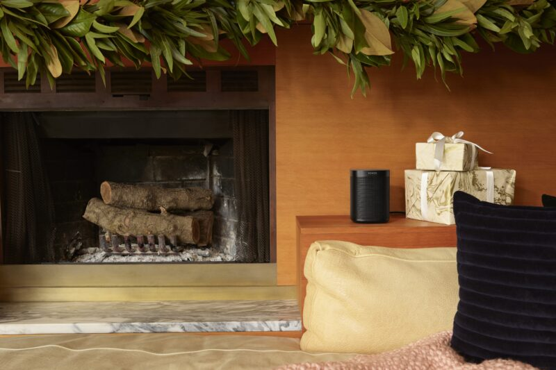 one_sl_black-fireplace_1573722578