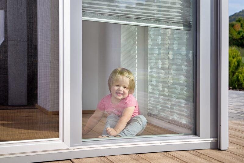Stínění do dětského pokoje. Jak ho zatemnit a zároveň zútulnit?