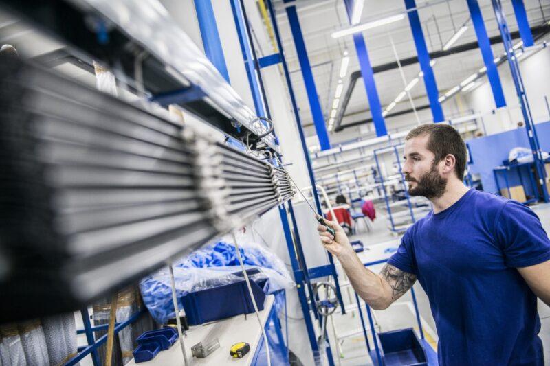 CLIMAX loni utržil miliardu, chystá rozšíření výroby žaluzií za 180 milionů